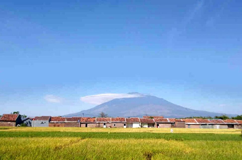 Gunung Ciremai. (Dok Indramayujeh)