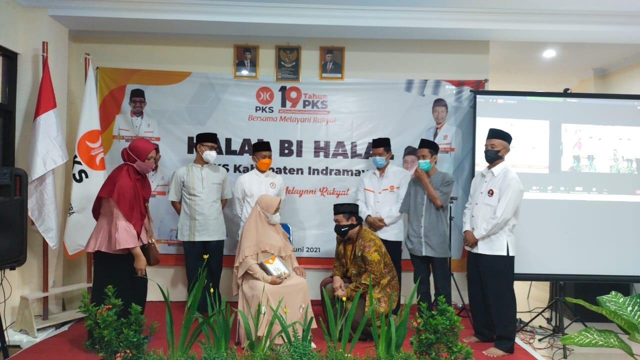 PKS Indramayu menggelar kegiatan halal bi halal di Kantor DPD PKS Indramayu, Minggu (6/6). Foto: Ist