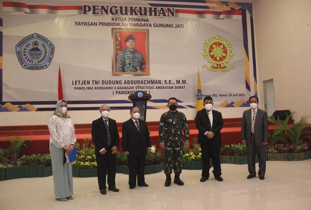 Pengukuhan Pangkostrad Letjen TNI Dudung Abdurachman sebagai Ketua Pembina YPSGJ. (Indramayujeh)