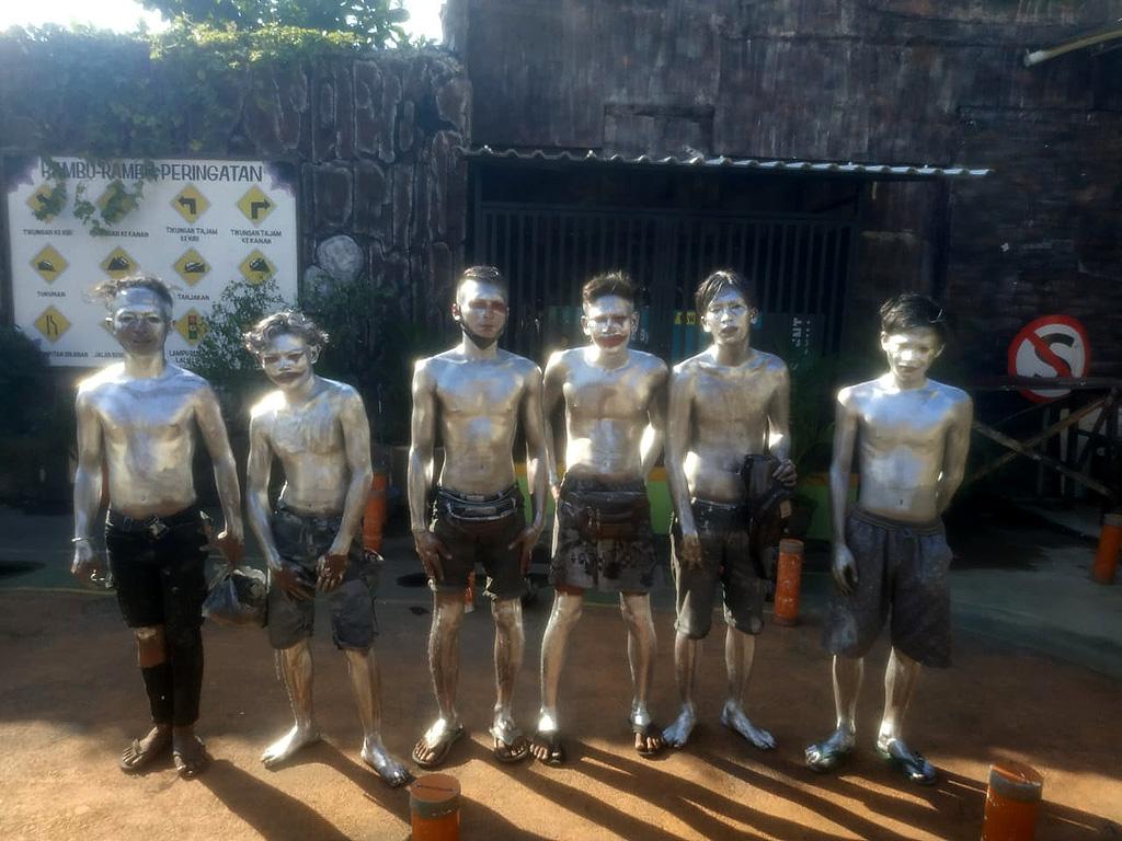 Manusia Silver Cirebon