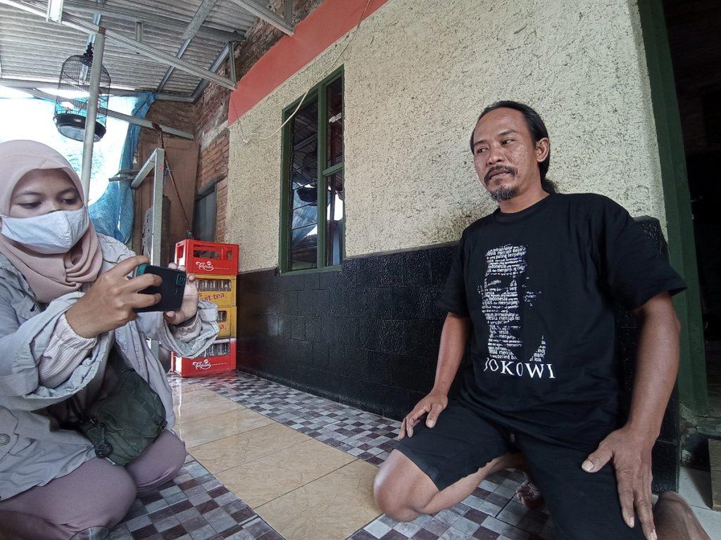 20210902_Agus Warga Kaus Jokowi Cirebon