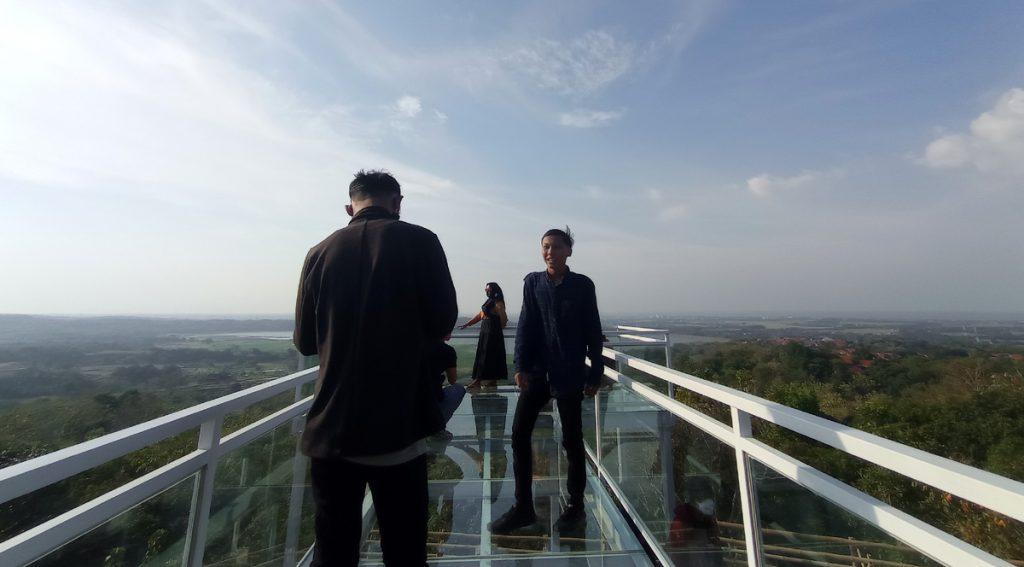 Bukit Cinta Antigalau Cirebon (2)