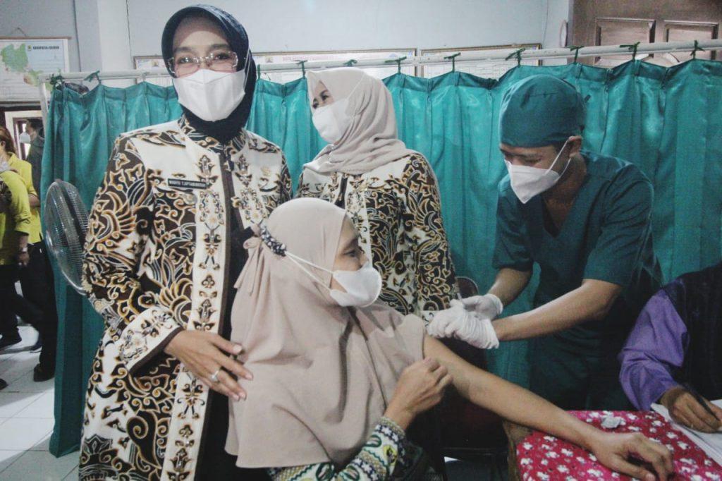 IMG-20211014-Vaksinasi Cirebon